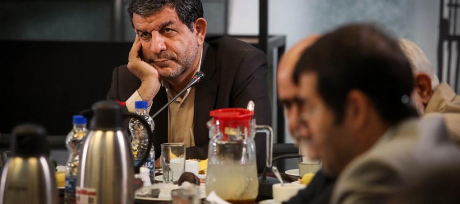 تصاویر جلسه اعضای شورای شهر تهران در باغ کتاب