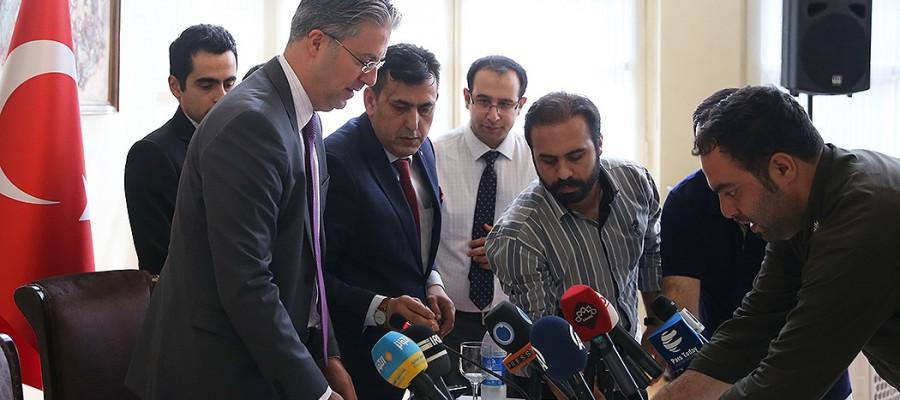 تصاویر نشست خبری سفیر ترکیه در تهران