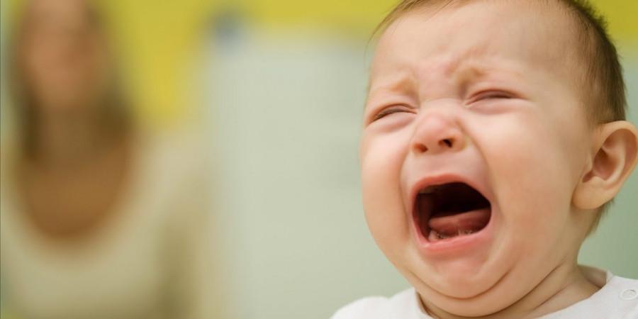 گریه زیاد نوزاد، نشانه چیست؟