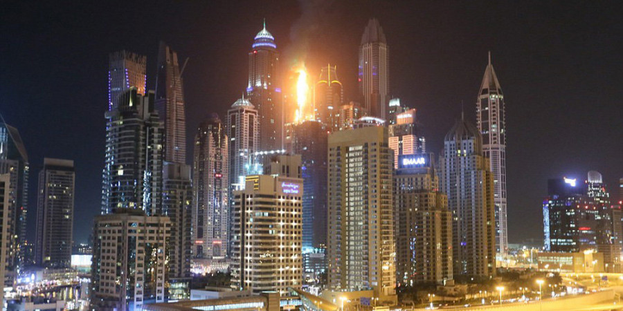 تصاویر آتش سوزی در برج ۷۹طبقه دبی