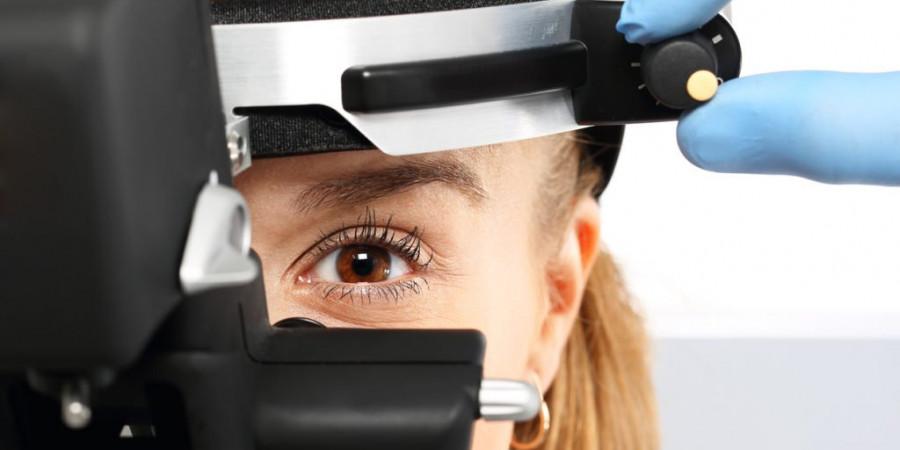 همه چیز در مورد عمل چشم لازک و تفاوت لازک با لیزیک چشم